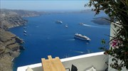 Cruise ship operators urge new port location on Santorini, need for second cable car